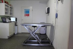 dierenkliniek-lunetten-utrecht-apparatuur-behandelkamer